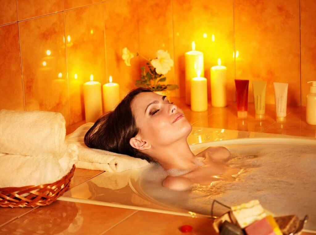 Hot bath with essential sage oil